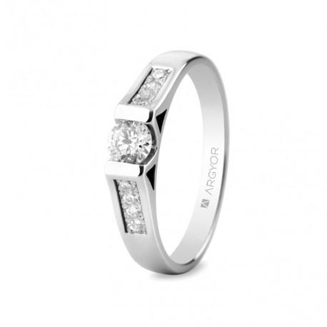 Eljegyzési gyűrű 18k fehéraranyból 9 gyémánttal 0,42 karát 74B0046